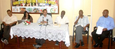 Minister of Culture  Dr Frank Anthony (third from left) and other officials at the media briefing (GINA photo)