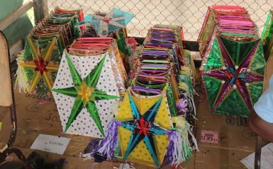 A pile of kites awaiting sale (Photo by Arian Browne)