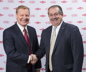 DuPont CEO Edward Breen, left, said Dow Chemical CEO Andrew Liveris, right, called him on his first day running DuPont in October. Photo: Dupont