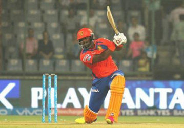 West Indies all-rounder Dwayne Smith … stroked an unbeaten 37 in Gujarat Lions win. (file photo)