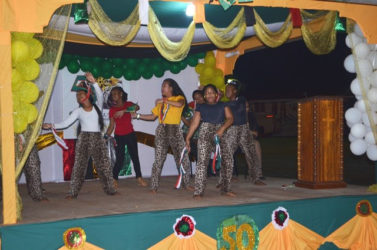 Students of the Mahdia Secondary dancing (GINA photo)