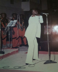 Lord Canary in his prime performing on stage.