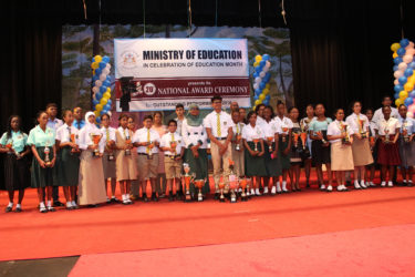 The recipients of the Ministry of Education's 20th National Awards.